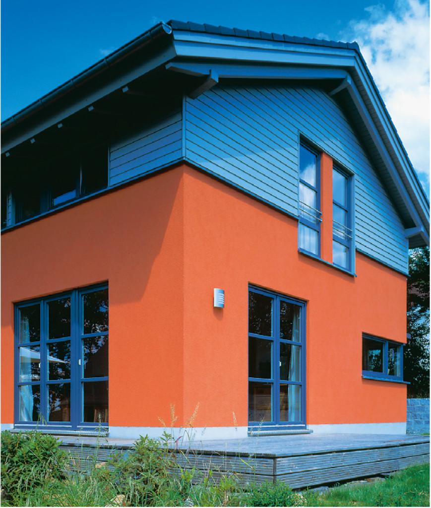 Tehnologia Acrylcolor GEALAN asigură o deosebită rezistență la decolorare, mătuire și zgâriere (©GEALAN).