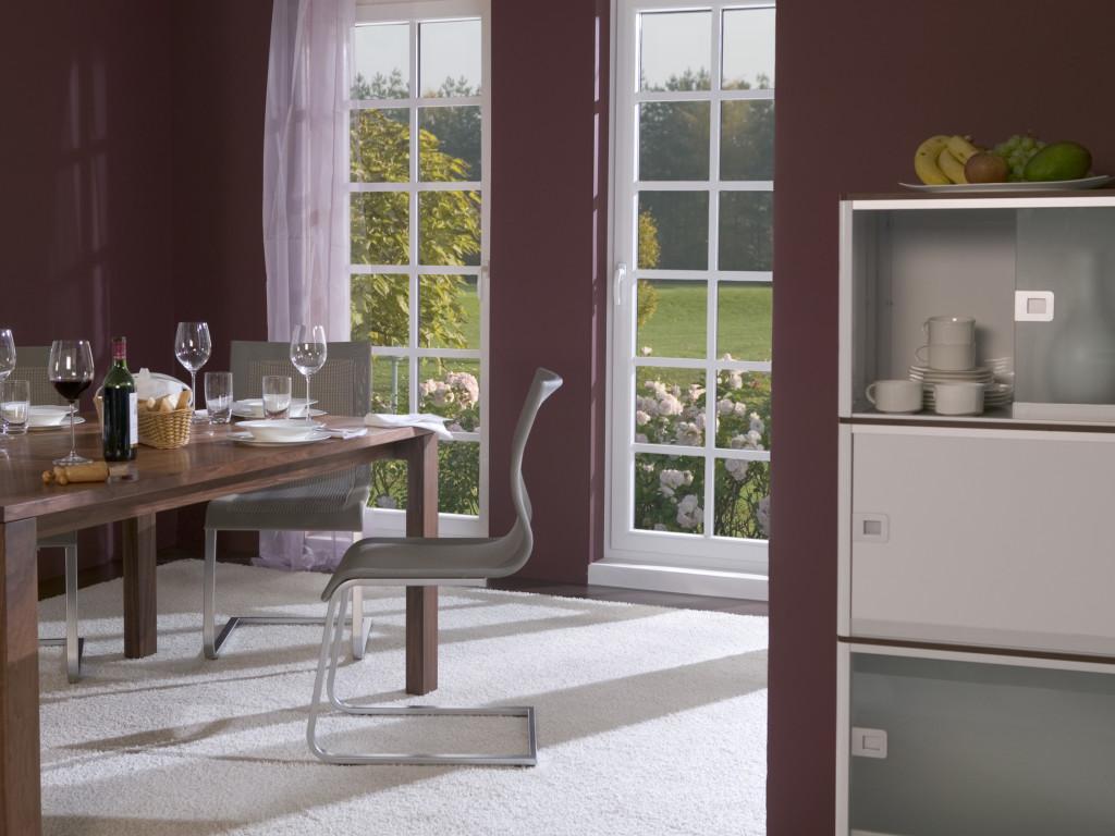 Combinând tehnologiile STV-IKD-Acrylcolor, GEALAN produce ferestre utilizabile pentru case pasive (Futura). Imaginația arhitecților poate fi transpusă mult mai ușor în practică (©GEALAN).
